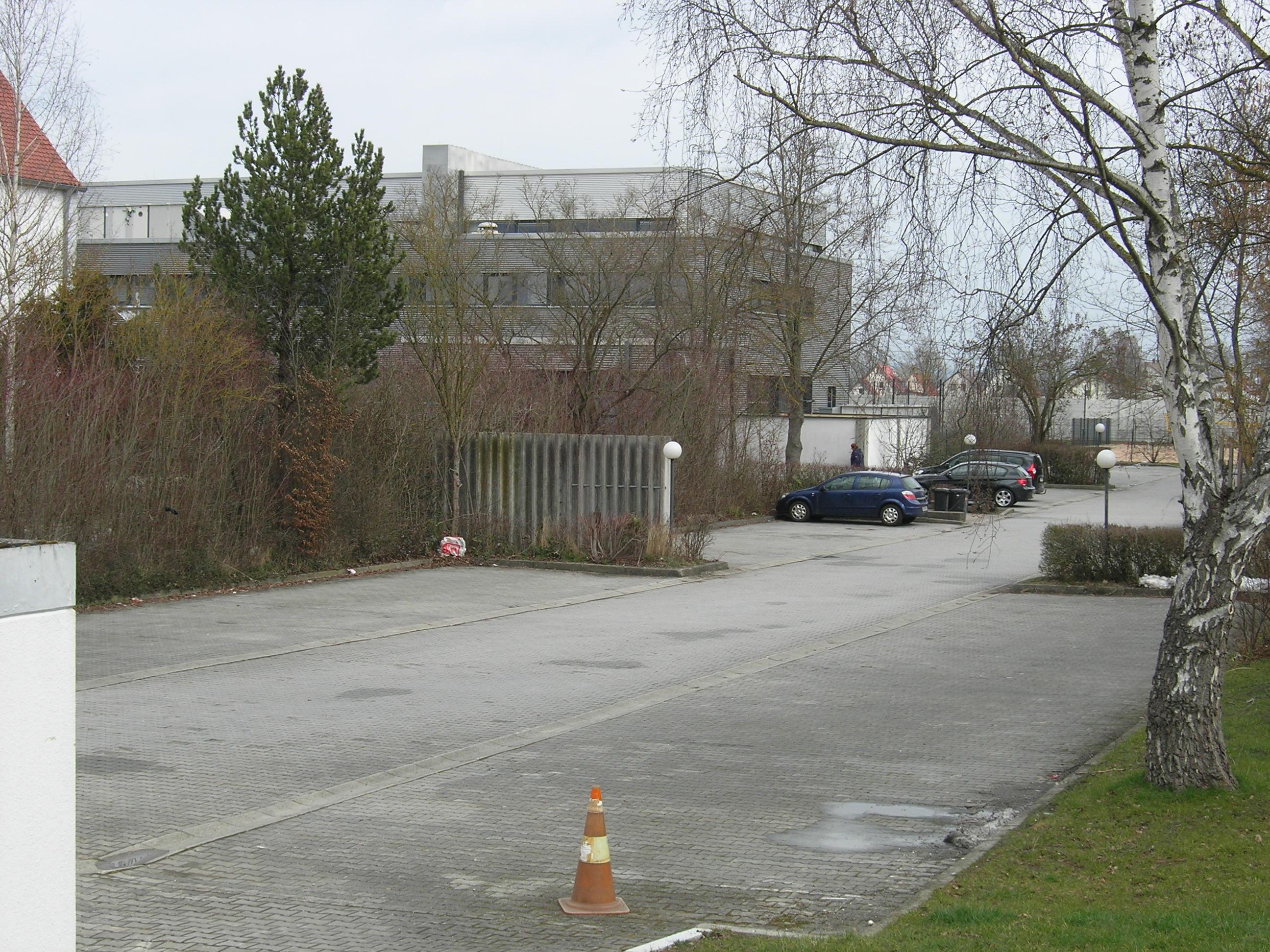 Parkplatz am Hallenbad